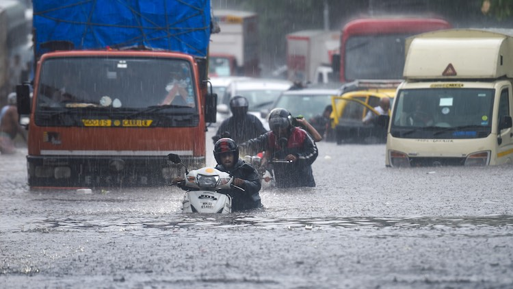 """Heavy Rainfall Predicted In Mumbai, """"Red Alert"""" Issued"""