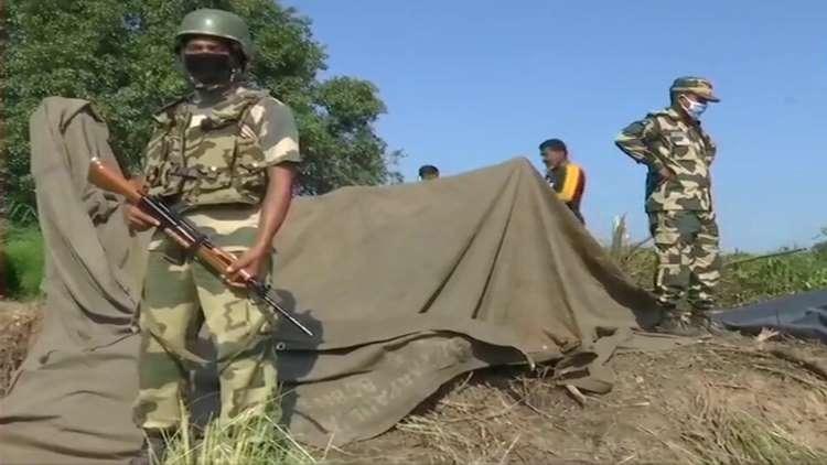 BSF Detects 25-Feet Deep Tunnel, Sandbags Marking