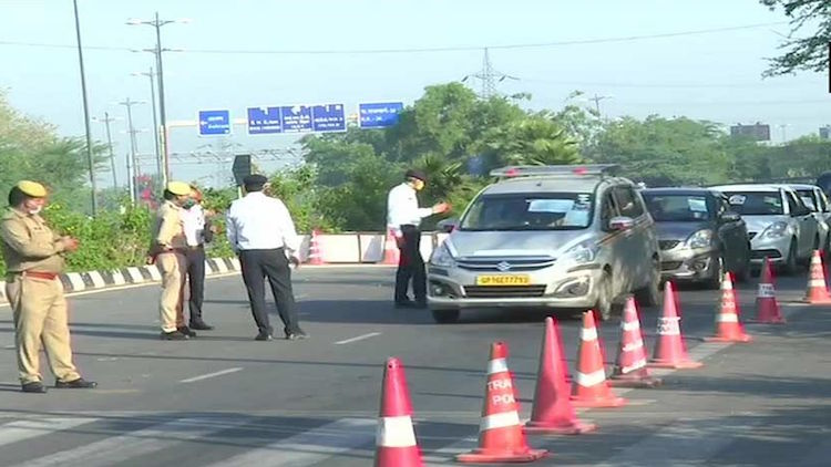 Delhi-Noida Border Sealed, No Passage Without Pass