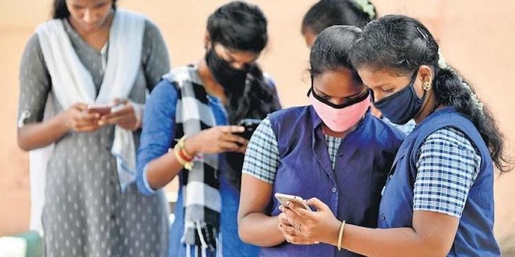 Delhi Govt's Appeal: Promote Class 10 & 12 Student