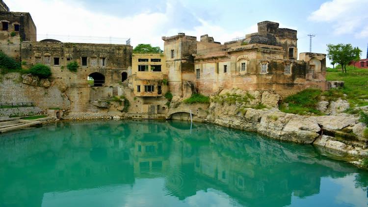 Indian Pilgrims To Visit Pakistan For Annual Pilgr