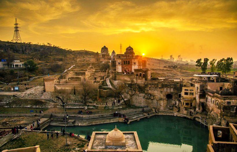 Hindu Pilgrims Depart For Annual Pilgrimage To Pak