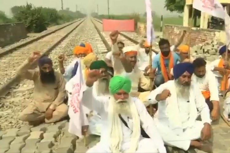 Punjab: Farmers Begin 'Rail Roko' Agitation Agains