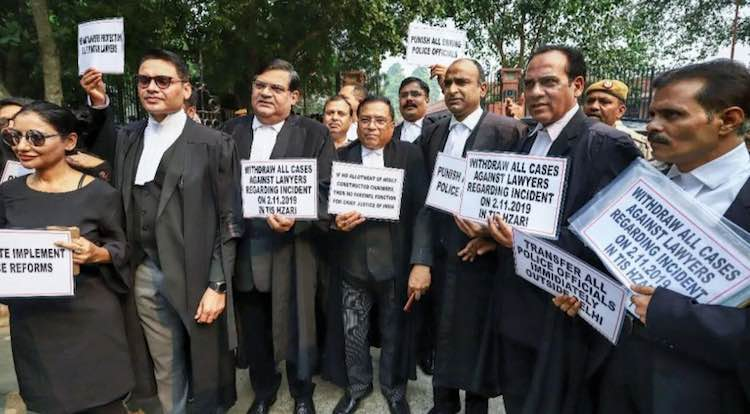 Delhi Lawyers Continue To Strike On Fifth Day