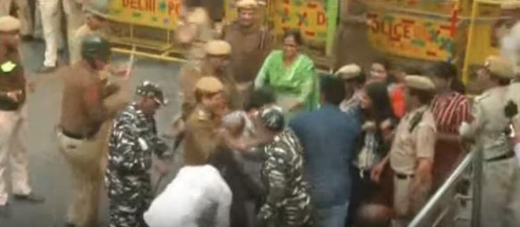LIVE: JNU Students Protest