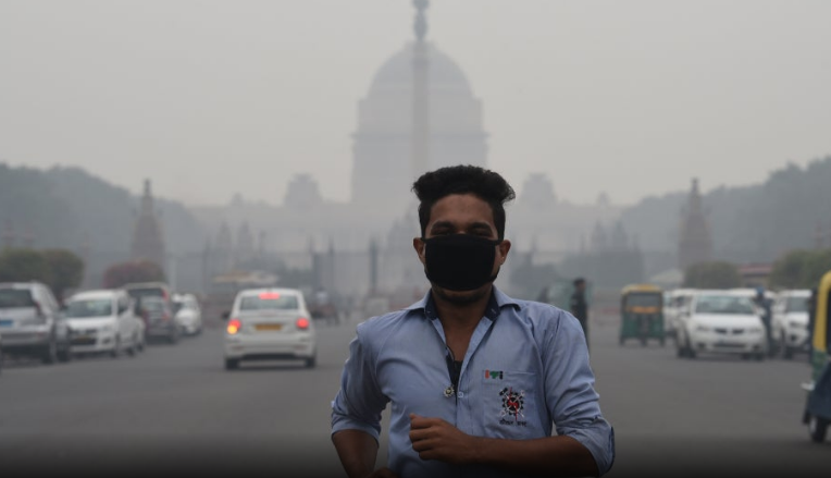 Pollution Update: Delhi's Air Improves To &#39