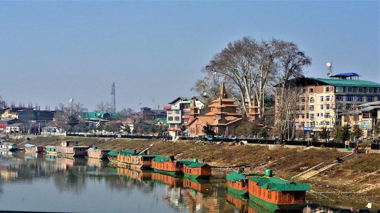 Mining Expands On Kashmiri Rivers Despite Dire War
