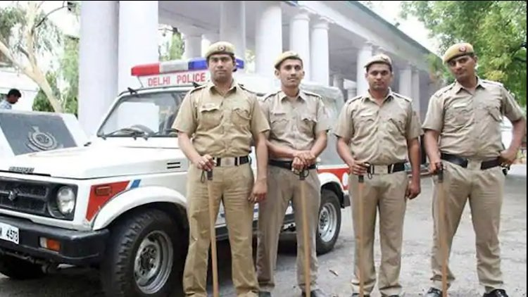 36 Delhi Cops Suspended For Reporting Late To Duty