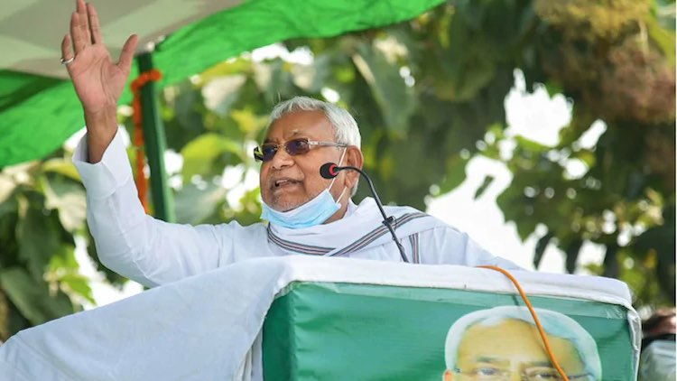 Nitish Kumar Loses Cool As Crowds Chant 'Lalu Zind