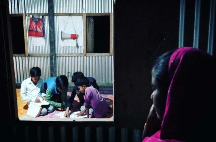 Tiny Island Library in Assam Gives Children a Head