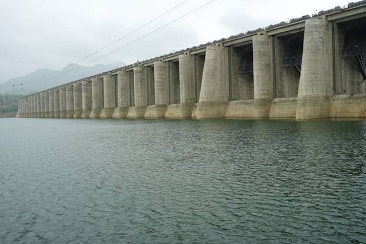 VILLAGES NEAR NARMADA RIVER ON THE VERGE OF SUBMER