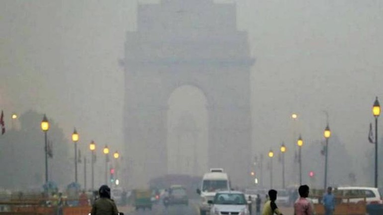 Delhi's 'Very Poor' Air Quality Poses Health Risks