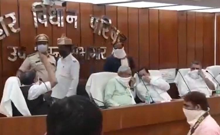 Nitish Kumar Sends Sample After He Sat Next To Lea