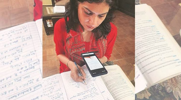 85% students of Delhi University do not want onlin
