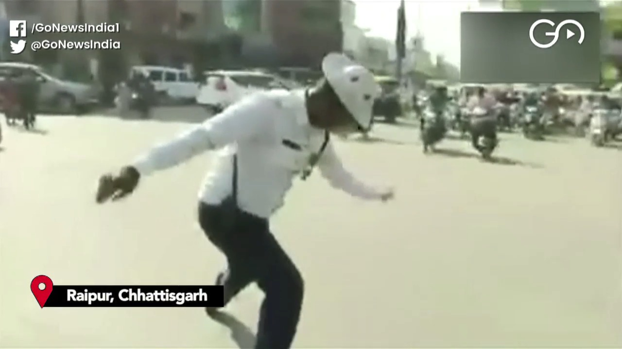 Dancing Traffic Cop In Raipur Sends The Right Sign