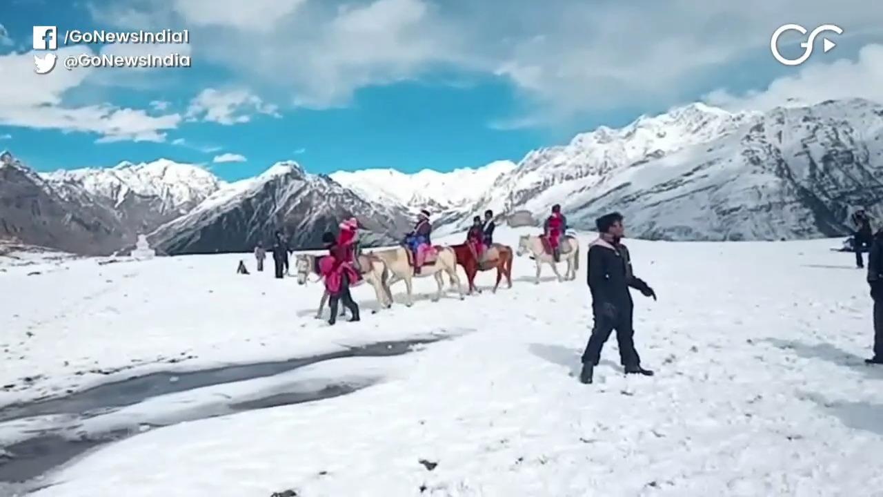 Himachal Pradesh Gets Season's First Snowfall