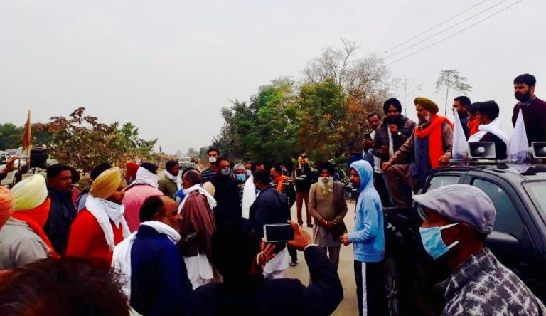 Farm Laws Protest: Farmers In Large Numbers March
