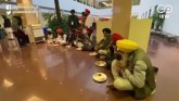 Farmers Take 'Langar Lunch' At Govt Meet, Offer Fo