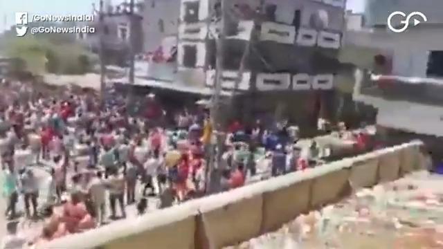 Migrants Remain In Desperate Scramble For Trains A