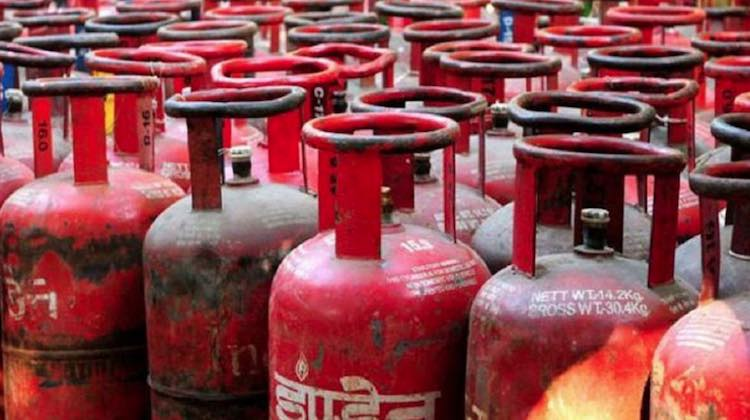 LPG Cylinder Price Hiked Sharply Across Metros, Op