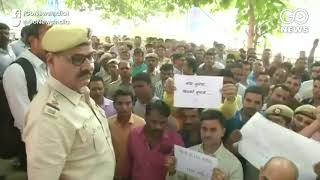 Delhi Policemen Protest Against Attacks By Lawyers