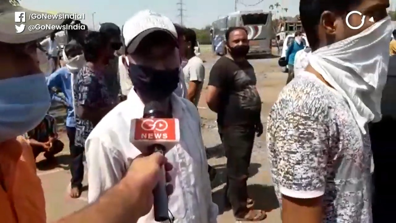 Delhi: Police Shuts Wine Shop After Citizens Flout