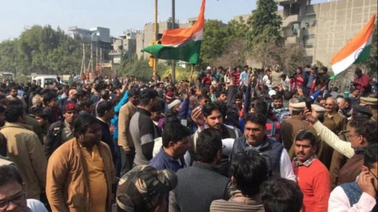 Protest against the protesters of Shaheen Bagh