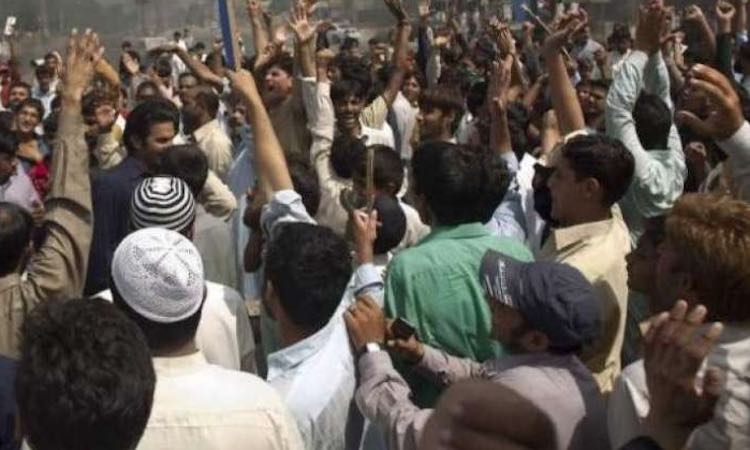 MORADABAD BRASS TRADERS & WORKERS BEAR THE BRUNT O