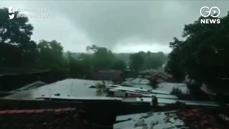 Heavy Rain Submerges Several Villages In Madhya Pr