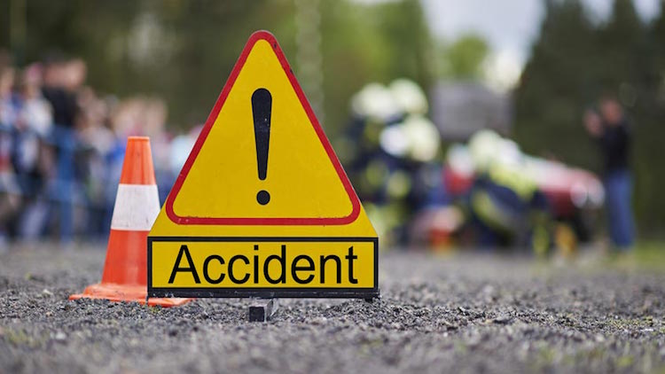 14 Dead In Two Separate Road Accidents In UP & Mah