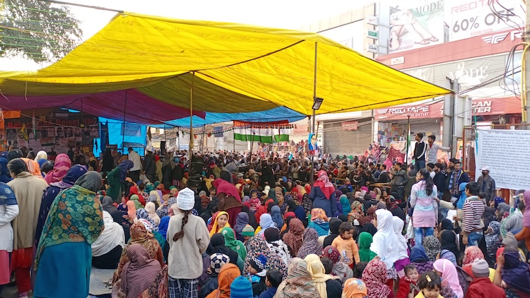Shaheen Bagh Continues Anti-CAA Protest Amid Coron