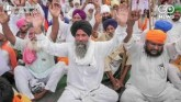 Farmers Blocks Roads In Punjab, Haryana Over Farm