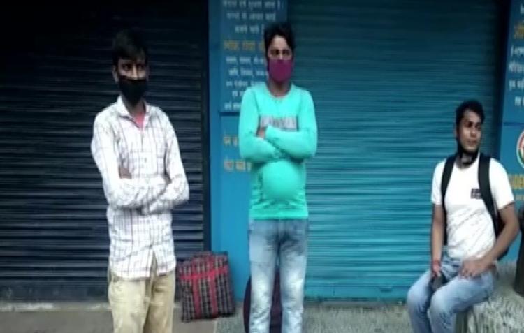 Mother dies in Benares, son walks out of Raipur