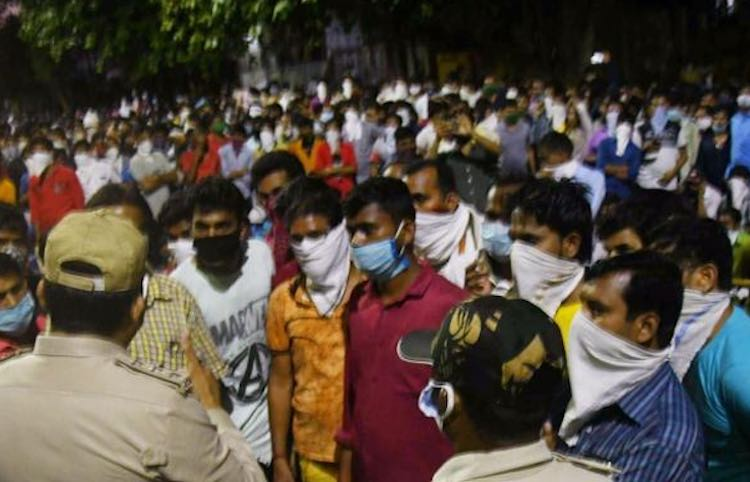 Surat: Hundreds of workers again hit the streets t
