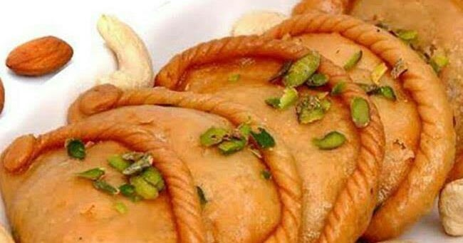 'Gujia' is a traditional Holi dessert